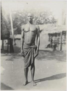An Igbo man from Achala, p.d. Anambra State, photographed by British colonial government anthropologist Northcote Thomas, 1910-1911. Museum of Archaeology and Anthropology, Cambridge.